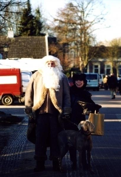 Ine en Pingus met de kerstman tijdens kerstmarkt in Oude Schans