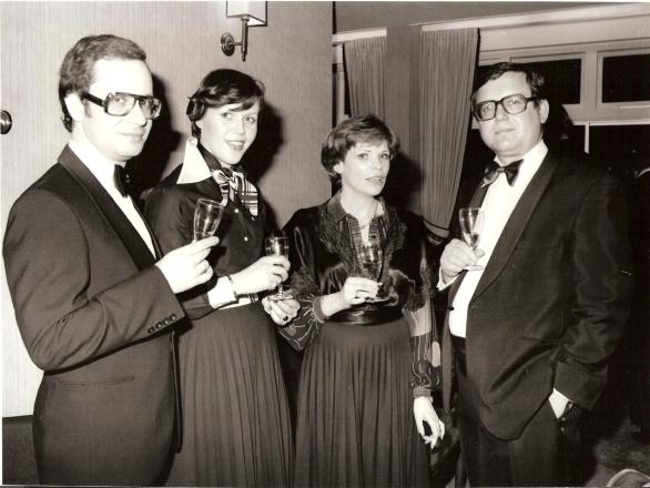 vlnr Lex en Cockie, Ine Droogh-Goossens en Thomas Lepeltak in Bournemouth in 1976