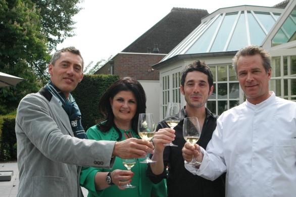 Dat moeten we vieren! Trouwens deze foto komt in de Telegraaf!