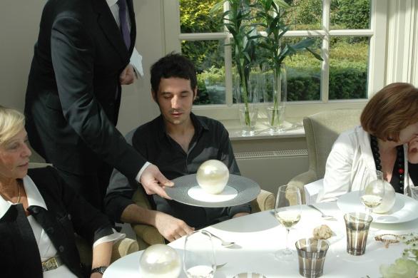 Met als waardige afsluiting bij de bal Masqué Champagne Inflorescence La Parcelle Côte de Béchalin Pinot Noir 2003 in de finale
