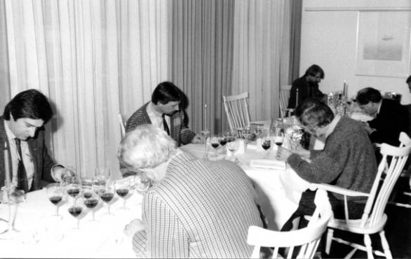 vlnr Jan van Lissum (Proefschrift/Gault Millau), Allard Botenga(wijnexpert), Cees van Noord, Hugo van Landeghem(voorzitter Vlaams Wijngilde), Ronald de Groot (Perswijn/Grootspraak), Parelberg & Levie