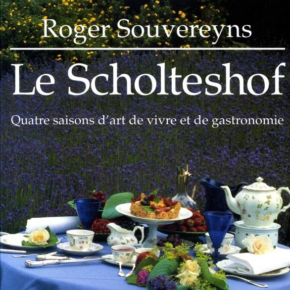 Een van de vele kookboeken van Roger Souvereyns