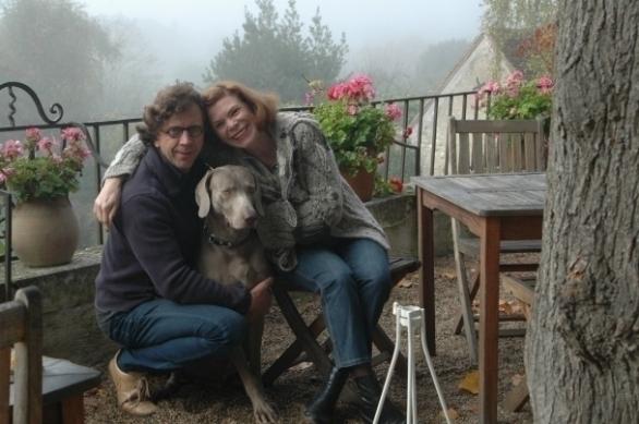 Ries van der Vlugt en Ine Goossens met Pingus in La Chancellières in Saint-Satur in de Loire