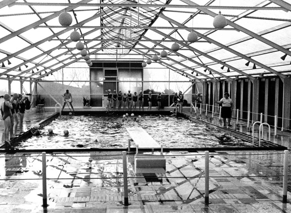 Eerste overdekte verwarmde hotel-zwembad in 1962
